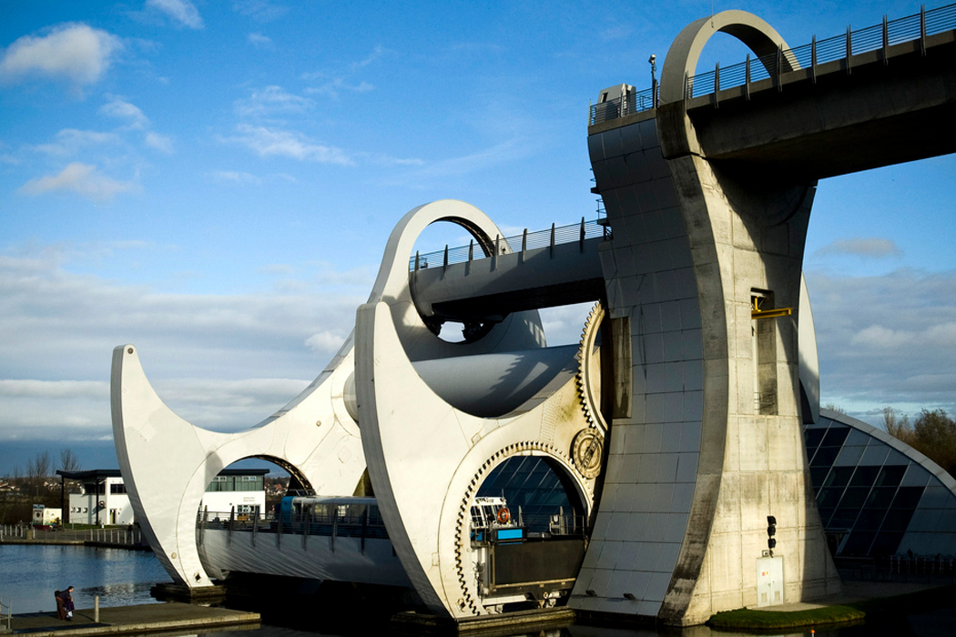 Lift-falkirk wheel